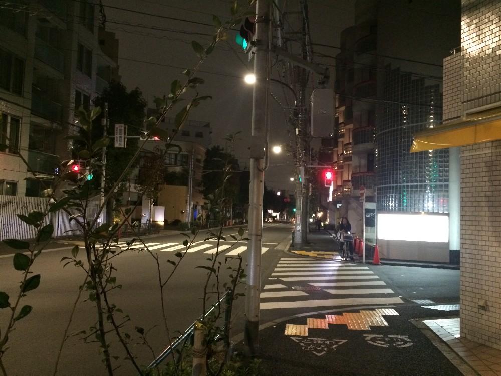 とんこつ麺 砂田駒沢通りから道